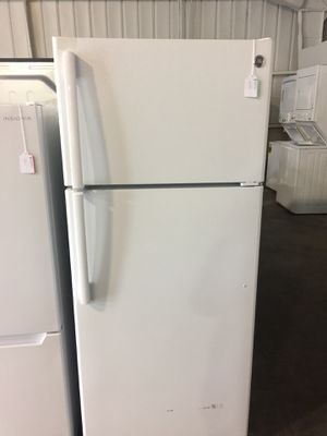 GE top freezer fridge for Sale in San Luis Obispo, CA