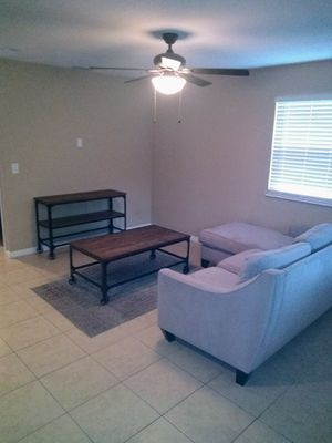 TV Stand and coffee table. Brand new condition for Sale in Tampa, FL