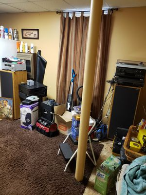 📢📢 FAMILY EMERGENCY MUST SALE 1977 AMERICAN ACOUSTIC 5WAY FLOORSTANDING SPEAKERS SET TODAY 🤣🤣 CASH AND CARRY ONLY PRICE IS FIRM FOLKS for Sale in Decatur, GA