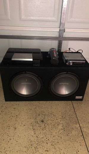 2 12 Kenwood subs in Porter box w pioneer amp espanol/English for Sale in Chicago, IL