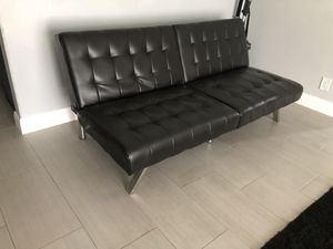 LEATHER FUTON BED COUCH for Sale in Claremont, CA