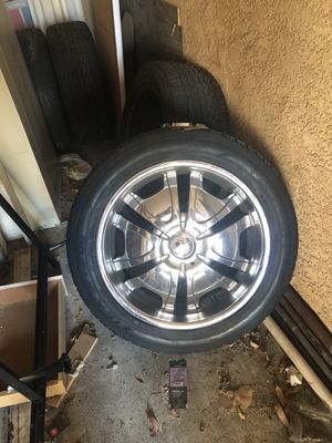 22 in Rims 6 lug for Sale in Santa Monica, CA