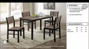 Table and four chairs for Sale in Chicago, IL