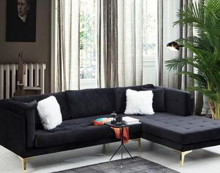 Naila Black Velvet RAF Sectional🚚FAST DELIVERY🚚💰 FINANCING AVAILABLE💰 for Sale in Austin,  TX