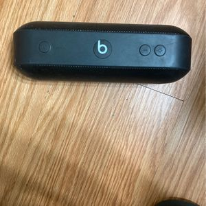 Beats Speaker With Black Charger for Sale in Phoenix, AZ