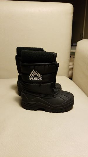 Snow boots kids size 8m black unisex for Sale in San Diego, CA
