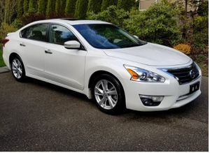 Very Clean 2013 Nissan Altima FWDWheels for Sale in San Francisco, CA