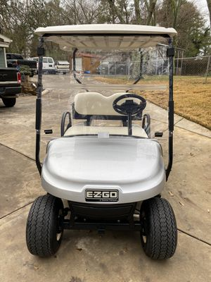 2016 EZ-GO 48 volt Golfcart with utility bed for Sale in Marietta, GA