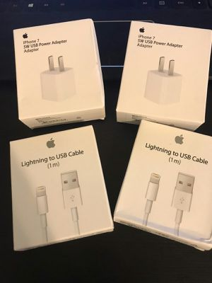 Iphone charger original ⚡️⚡️⚡️ 4 pcs ❤️❤️❤️iPad charger cable original ⭐️⭐️⭐️⭐️⭐️Apple charger cable🍏🍏🍏🍏 for Sale in Brownsville, TX