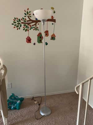 Metal floor lamp 3 way dimmable for Sale in Ballwin, MO
