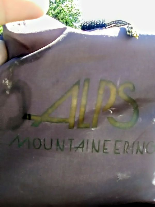 ALPS Mountaineering 4 man Tent w/ free DownPour Duffle bag