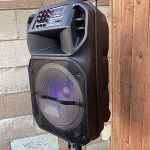 "15""WOOFER-7000 WATTS/Bluetooth-Fm radio ( SPEAKER STAND INCLUDED ! ) (MICROPHONE & CONTROL FOR KARAOKE) (3-6 HOURS BATTERY LIFE-PORTABLE) MEMORY SLOT for Sale in Baldwin Park, CA"
