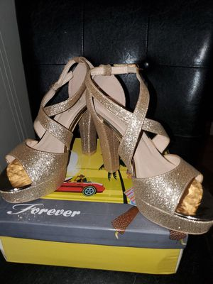 Gold 7 1/2 Heels for Sale in Fort Worth, TX