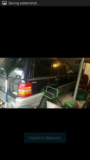1998 jeep grand Cherokee works fine. Will to trade for a drivable lawn mower+$500 for Sale in Columbus, OH
