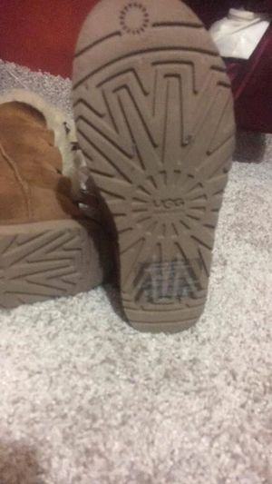 ugg boots 3 bows for Sale in Orlando, FL