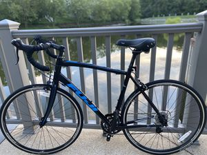 2017 Men's Fuji Sportif 2.5 road bike (Large 56cm) for Sale in Alexandria, VA
