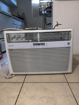 Ac Unit Frigidaire 18,500btu for Sale in Auburndale, FL