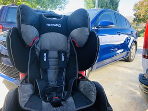Recaro Booster Seat and Harness for Sale in Fresno, CA
