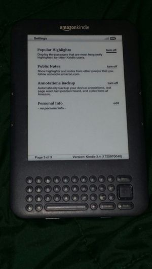 Amazon Kindle D09001 ebook reader for Sale in Miami, FL