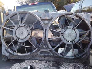 Dual radiator fans Chevy from 05 silverado for Sale in Winter Haven, FL