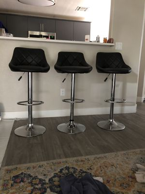 THREE BLACK BARSTOOLS ADJUSTABLE for Sale in Las Vegas, NV