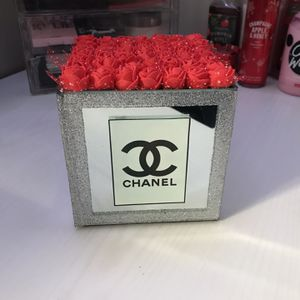 Mirror flower vase for Sale in Oakton, VA