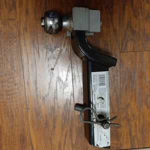 REESE BALL MOUNT AND TRAILER BALL for Sale in San Antonio, TX