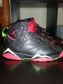 Marvin The Martian 7s *worn* for Sale in Fairfax,  VA