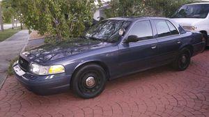 2005 ford crown victoria for Sale in North Miami Beach, FL