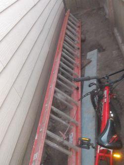 Werner Fibberglass Extension Ladder for Sale in Houston,  TX