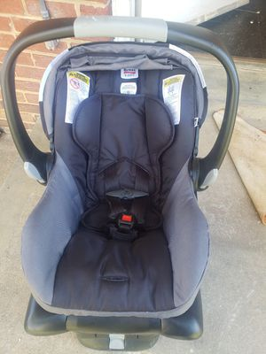 Seat car, silla con base for Sale in Adelphi, MD