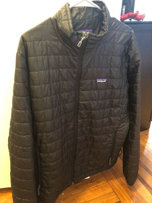 Large Patagonia Men's Puffer Jacket Size for Sale in Brooklyn, NY