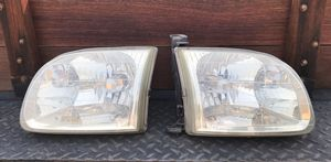 OEM 2002 Toyota Tundra L&R front Headlight assemblies for Sale in West Covina, CA