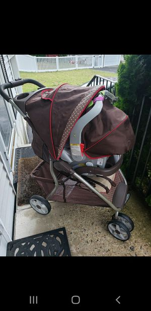Graco Baby Stroller and Car Seat for Sale in Worcester, MA