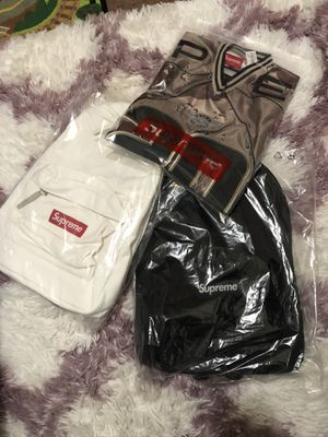 Supreme canvas backpack white and black for Sale in Vallejo, CA