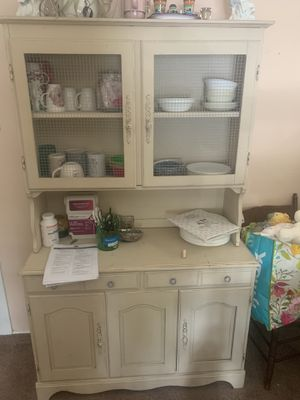 BEAUTIFUL SOLID WOOD FARMHOUSE STYLE HUTCH for Sale in Magnolia, NC