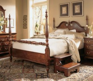 7 pc Solid Cherrywood Bedroom Set for Sale in Little Chute, WI