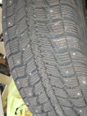 Winter studded snow tires Federal himalaya ws2 225/55/17 for Sale in Puyallup, WA