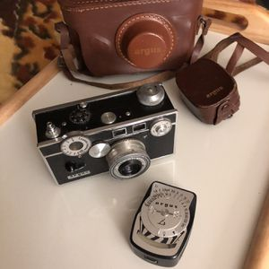 Vintage Argus camera light meter leather case photographer photography pictures 35mm for Sale in Nashville, TN