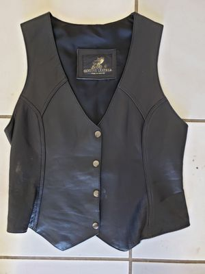 Women's black leather motorcycle vest for Sale in Chula Vista, CA
