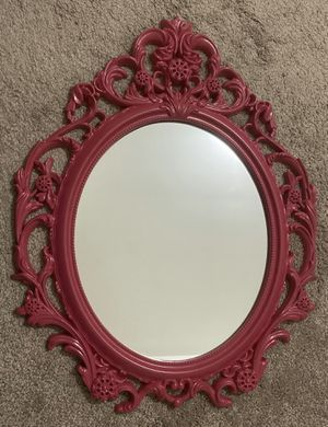 """VINTAGE SHABBY CHIC PINK PLASTIC PRINCESS BAROQUE ORNATE OVAL WALL HANGING MIRROR FRAME HOME DECOR ACCENT BY BETTER HOMES AND GARDEN 19""""x24"""" for Sale in Chapel Hill, NC"""