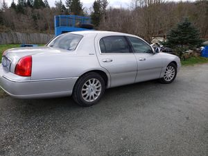 2007 lincolin town car signature series for Sale in Stanwood, WA