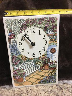 Lindo reloj loza porcelana mide 12x8 plg funcionando for Sale in Miami Springs, FL