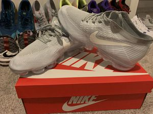 Nike Vapormax Light Grey Size 11 for Sale in Lutz, FL