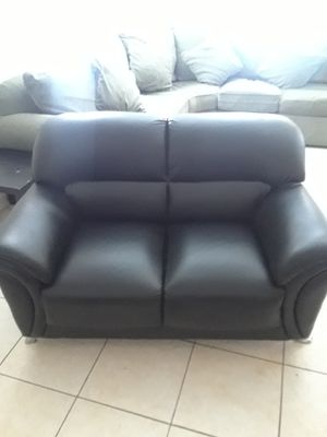 Sectional Black Leather Couch for Sale in West Palm Beach, FL