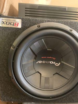 12 inch pioneer subwoofer with box and 1500 watt amp for Sale in Tracy, CA