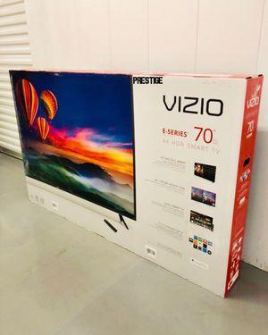 """VIZIO E70-F3 70"""" 4K UHD HDR LED SMART TV 2160P *FREE DELIVERY* for Sale in Everett, WA"""