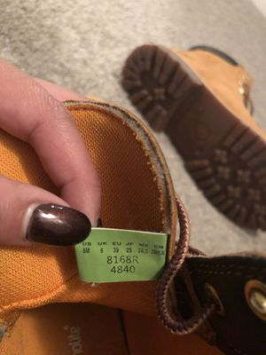 OG WOMEN TIMBERLANDS SIZE 8 for Sale in Tampa, FL