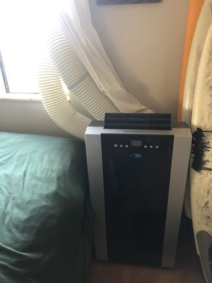Whynter ARC-14S 14,000 BTU Dual Hose Portable Air Conditioner, Dehumidifier, Fan with Activated Carbon Filter plus Storage bag for Rooms up to 500 sq for Sale in Los Angeles, CA