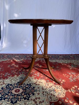 Antique Oval Mahogany Parlor Table for Sale in Los Angeles, CA